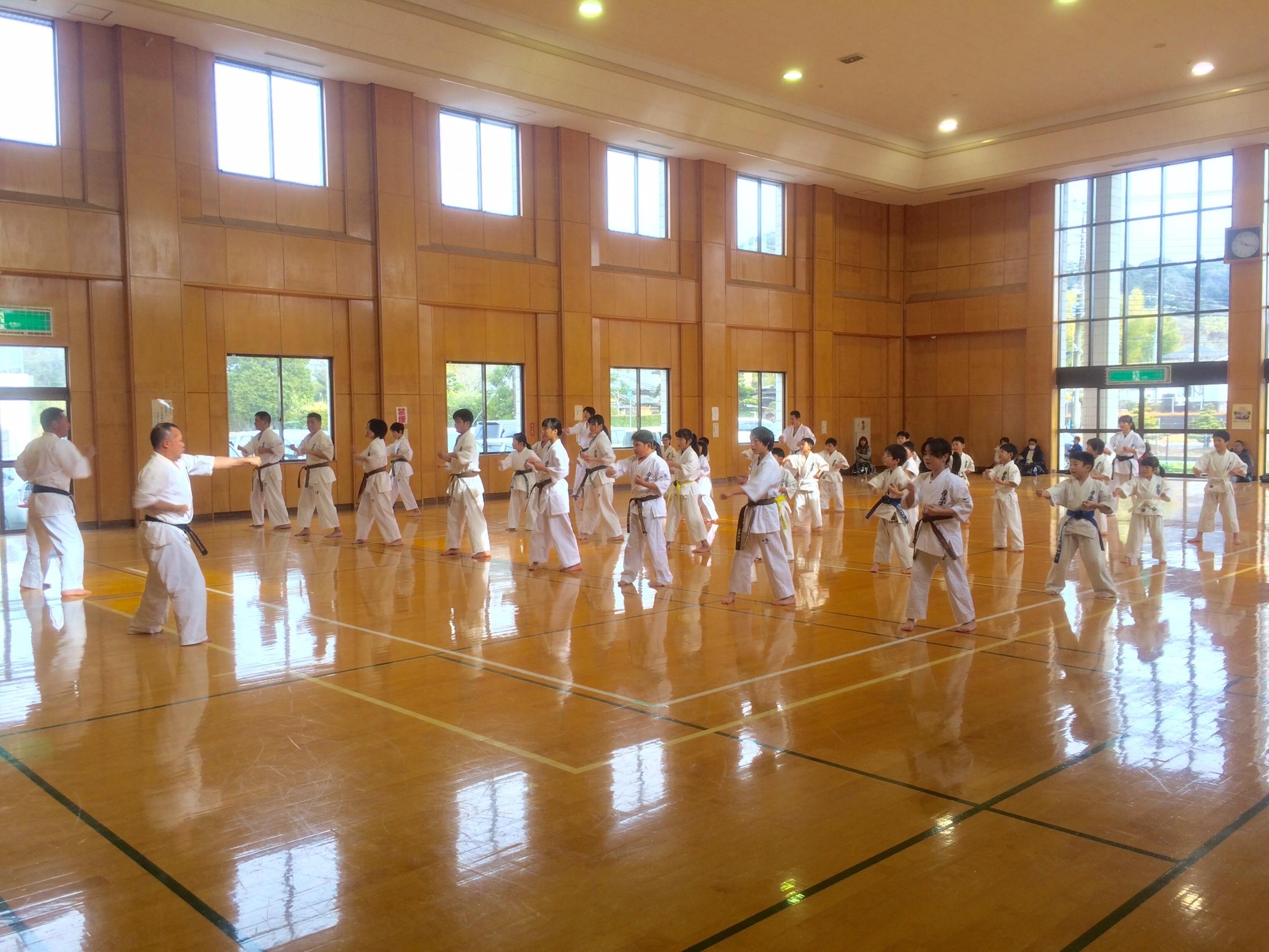 http://www.kyokushin-chibaminami.com/images/1485141797637.jpg